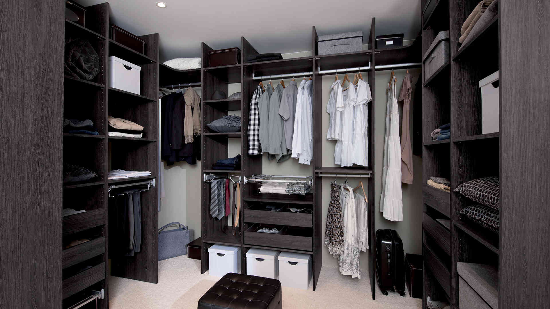 un dressing mon image derri re mon lit. Black Bedroom Furniture Sets. Home Design Ideas