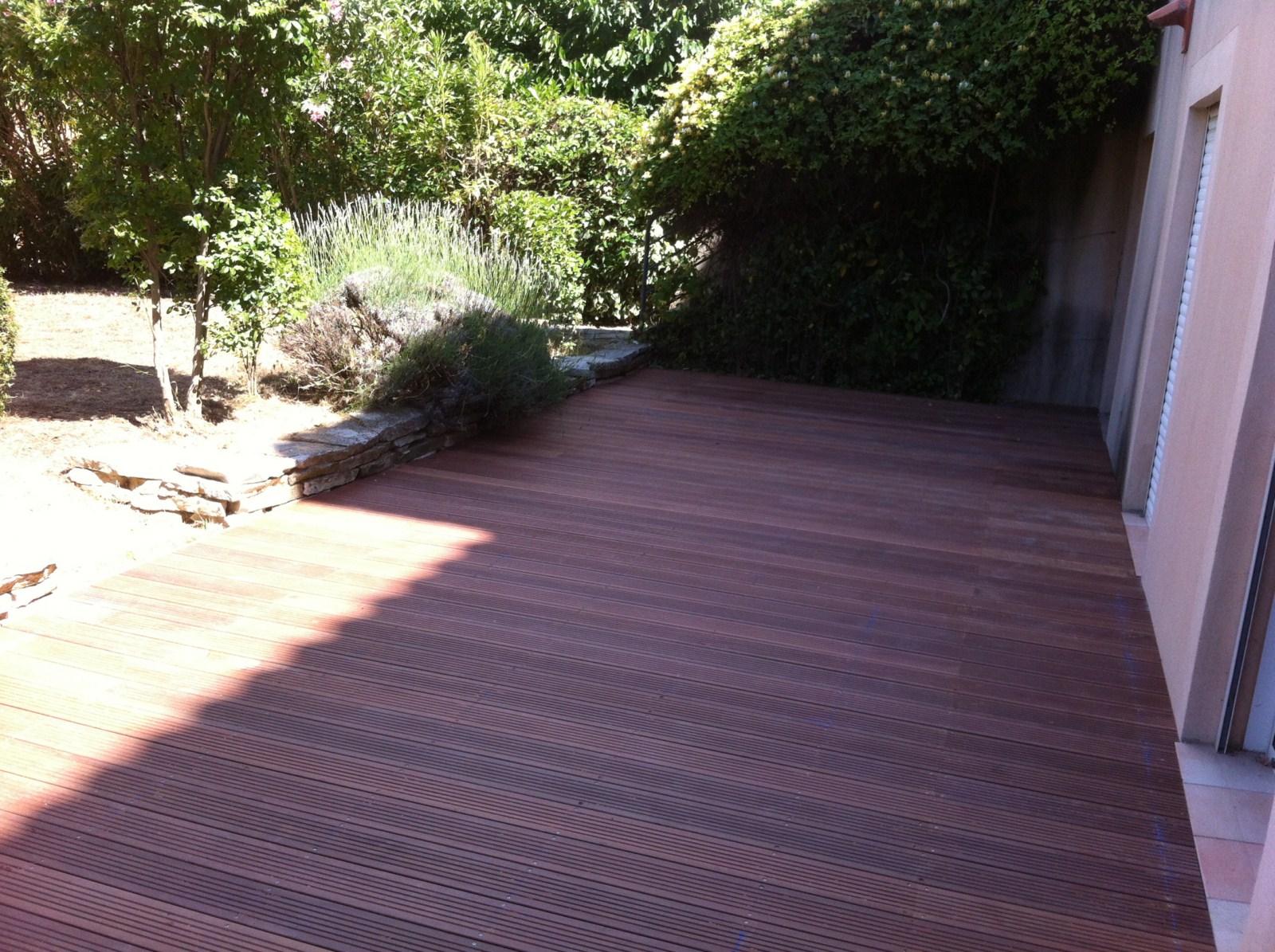 je suis ravie par ma terrasse bois exotique. Black Bedroom Furniture Sets. Home Design Ideas