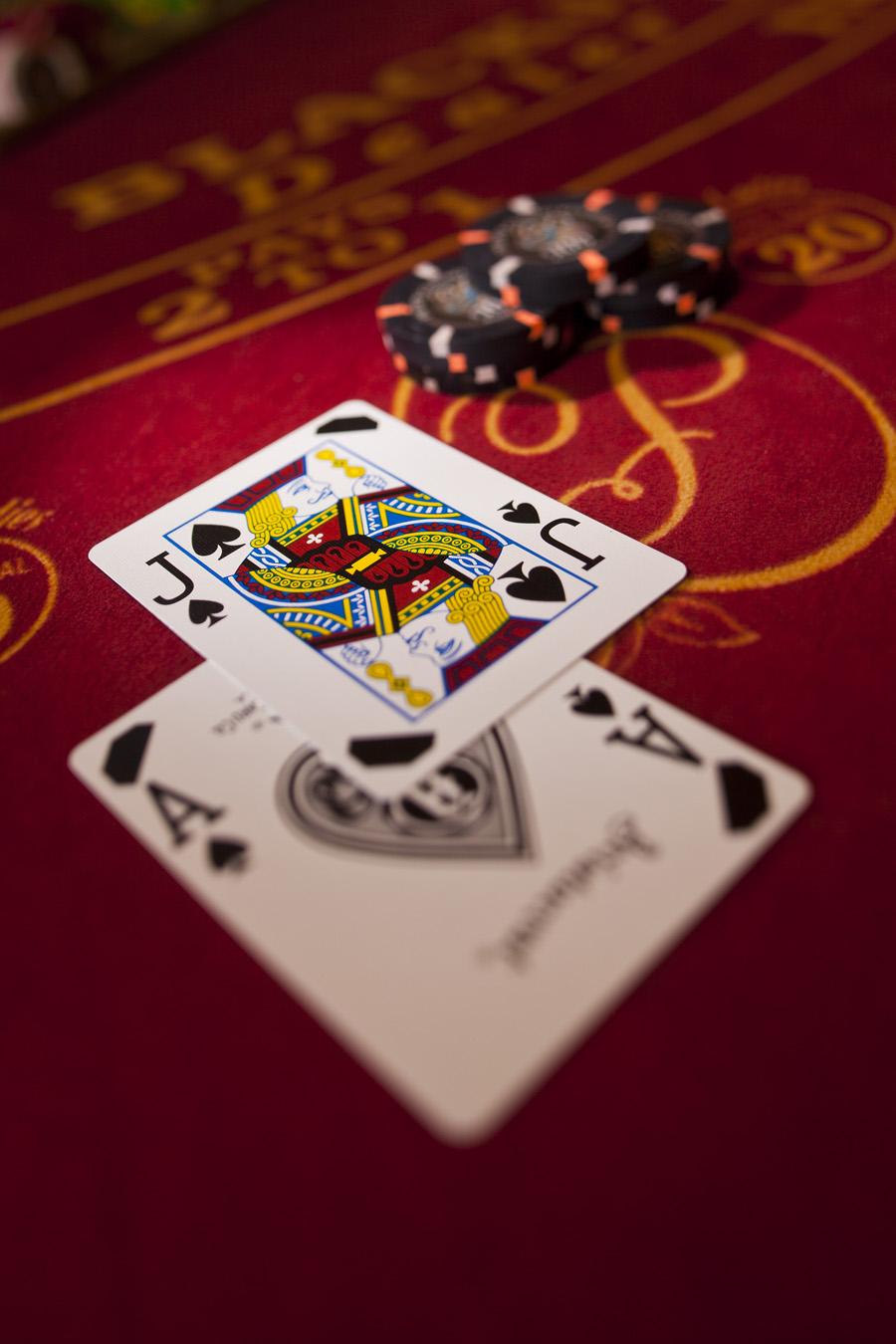 Blackjack en ligne : connaître les bons coups
